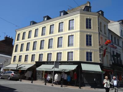 2 - 4, Rue de la République – Résidence du Vieux Bassin